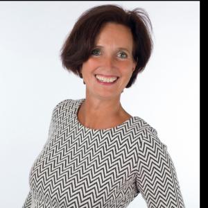 Tineke van der Wal-Zoer